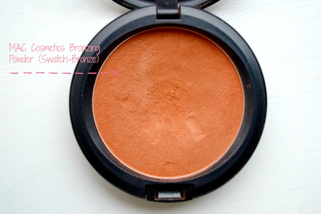 MAC Bronzing Powder open