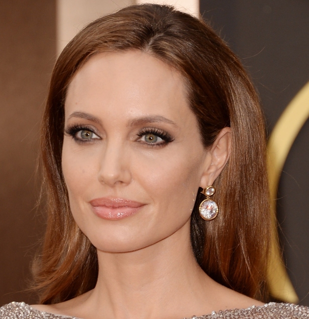 Angelina Jolie | Photo: Pinterest from dia de Beaute