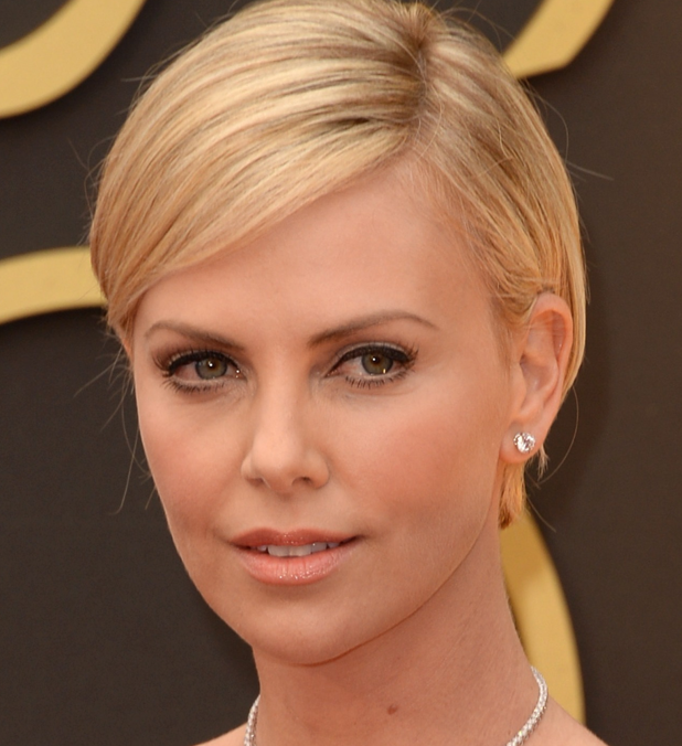 Charlize Theron| Photo: Pinterest from dia de Beaute