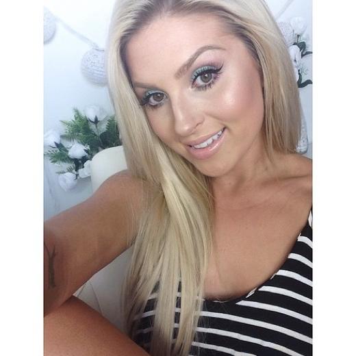 Shannon is a Beauty Guru From